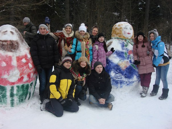 Russian dolls on snow