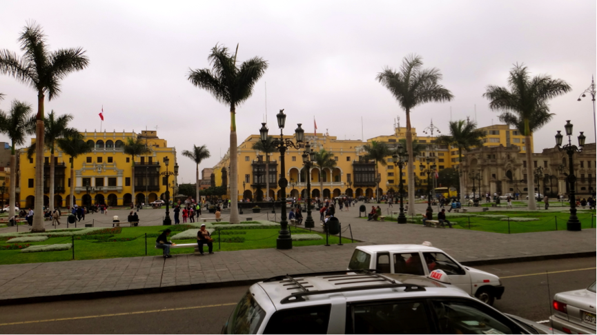 This city square is the historic centre of Lima, where most of the government buildings and the oldest cathedrals are. It's also a UNESCO World Heritage Site, and is hence religiously upkept to the highest standards! Right in the centre of this square lies a pretty interesting fountain – it is said that once every year, the fountain spews infinite amounts of Pisco, Peru's national (and heavily alcoholic) drink. People would then form a long line just to enjoy a free cup (or two, or three, or more…).