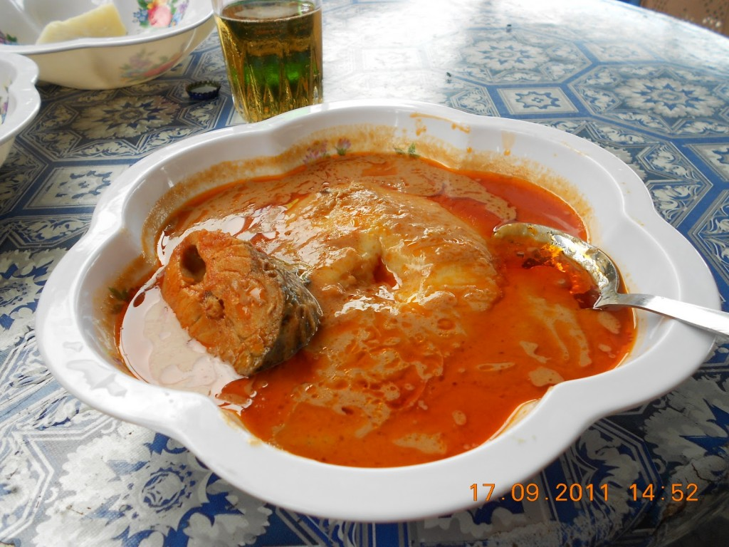 fufu with groundnut soup