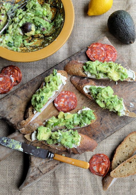 South-African-style-Guacamole-and-Cream-Cheese-Tartines-13-476x680